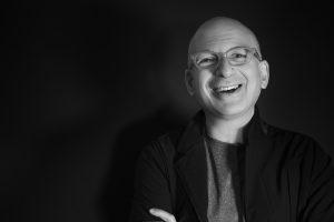 [O mago do marketing moderno] 7 livros de Seth Godin que vão fazer você levantar da cadeira